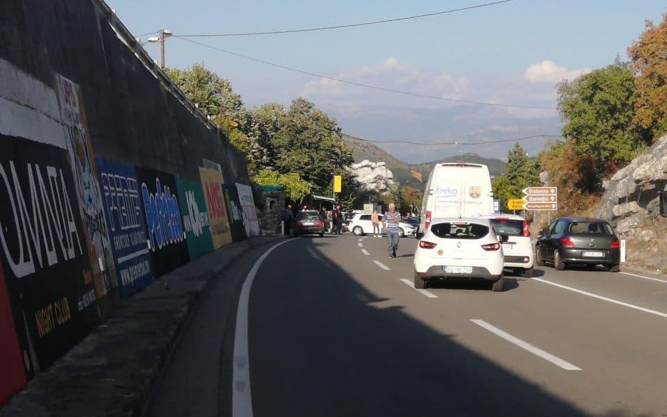 Građani probili policijsku blokadu ka Cetinju, propuštena sva vozila