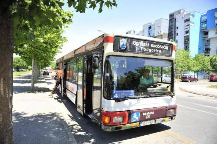 Građanima najviše smetaju vrućina i nehigijena u autobusima
