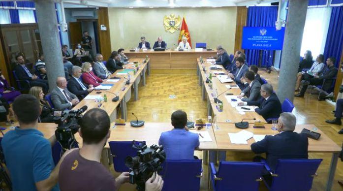 Brđanin: Tu noć sam ponudio ostavku; Sekulović: Obavezujuće uputstvo od premijera nije bilo zakonito