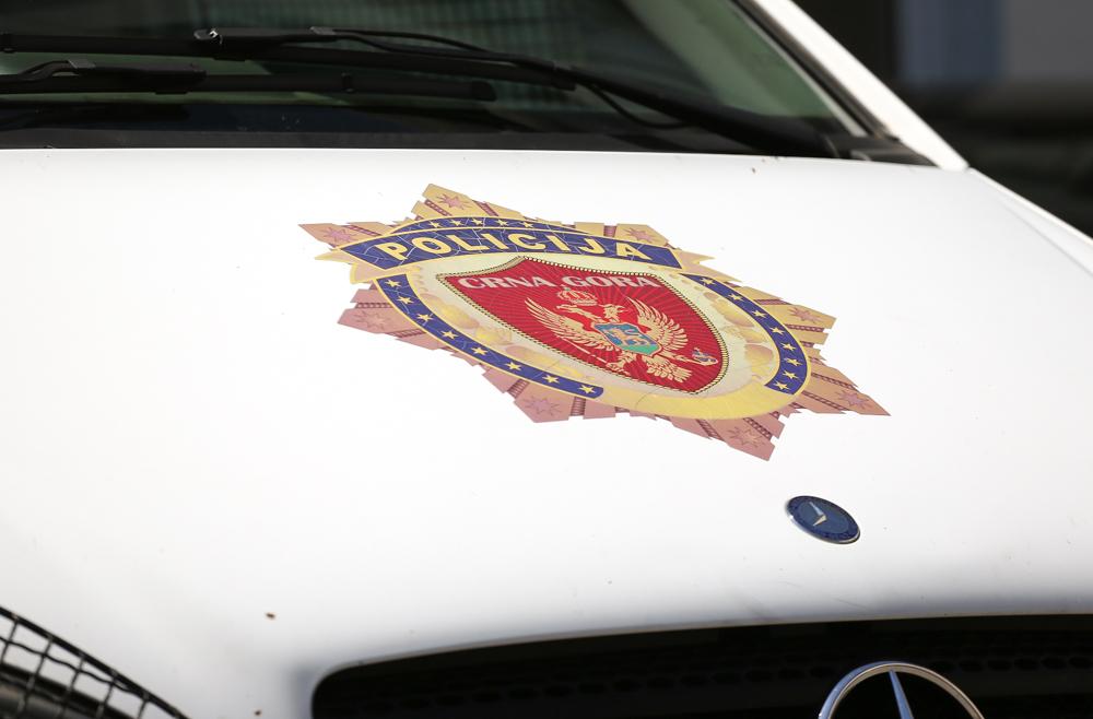 UP: U zasipanju auto-kolone fekalijama nema elemenata krivičnog djela, policajci počinili težu povredu službene dužnosti