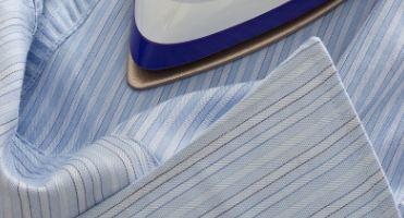 Šest trikova za savršeno ispeglanu garderobu – bez peglanja