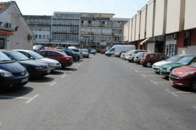 U Podgorici skoro 74.000 automobila