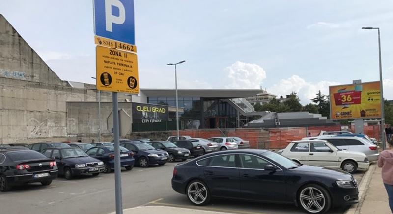 Nikšić: Počela naplata parkinga kod Doma revolucije