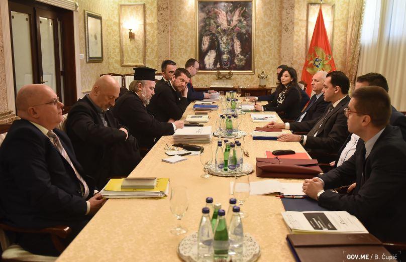 Vlada: Zbog zdravstveno-bezbjednosnih mjera odgodili smo sastanak sa Mitropolijom