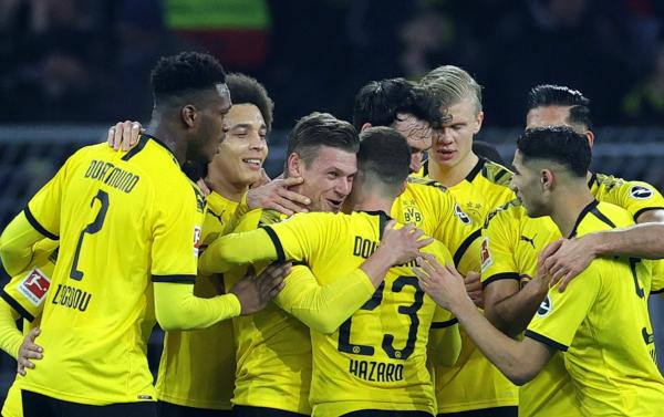 Koreografija navijača Dortmunda ostavlja bez daha
