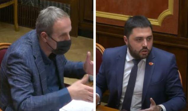 Opet burno u Skupštini - Popović: Prekinite ovog kretena, Martinović: Odradite to što prijetite