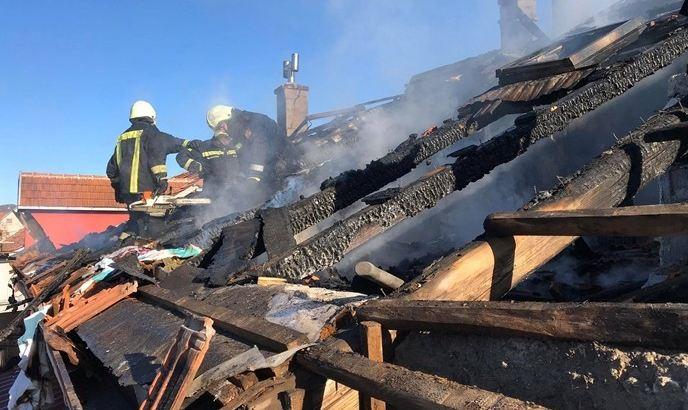 Izgorelo potkrovlje u zgradi u Nikšiću