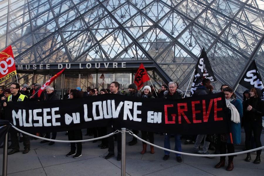 Demonstranti u Parizu upali u sjedište najvećeg francuskog sindikata