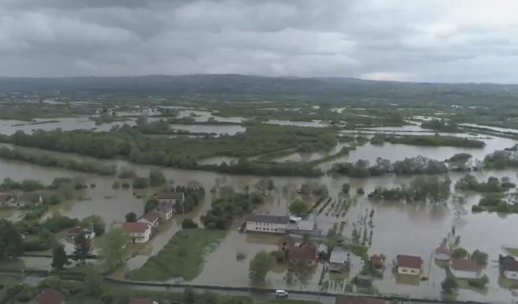 Apokaliptične scene: Pogledajte kako izgleda potopljeni Prijedor iz vazduha