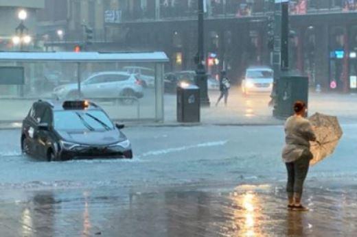 Nju Orleans poplavljen, proglašeno vanredno stanje
