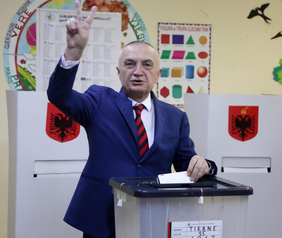 Albanija: Izglasano nepovjerenje predsjedniku Iljiru Meti