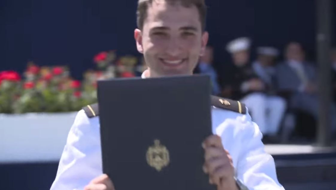 Bravo Nikola: Diplomirao u najboljoj klasi u istoriji američke akademije