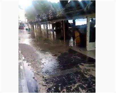 Jaka plima na Jadranu, voda se izlila na obalu