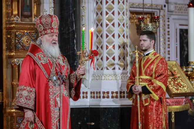 Vaskrs u Rusiji: Patrijarh služio bez naroda, Putin ostao u rezidenciji