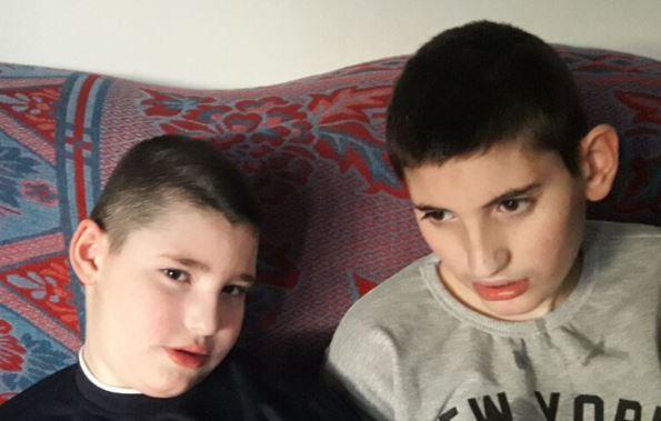 """""""Budi human"""": Dječacima iz Plava potrebna pomoć za liječenje"""