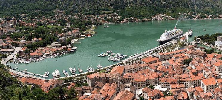 U Kotoru više od deset hiljada gostiju