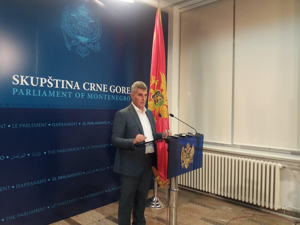 Brajović dobio zahtjev za skidanje imuniteta Medojeviću: Od SDT traži da ga izmijeni