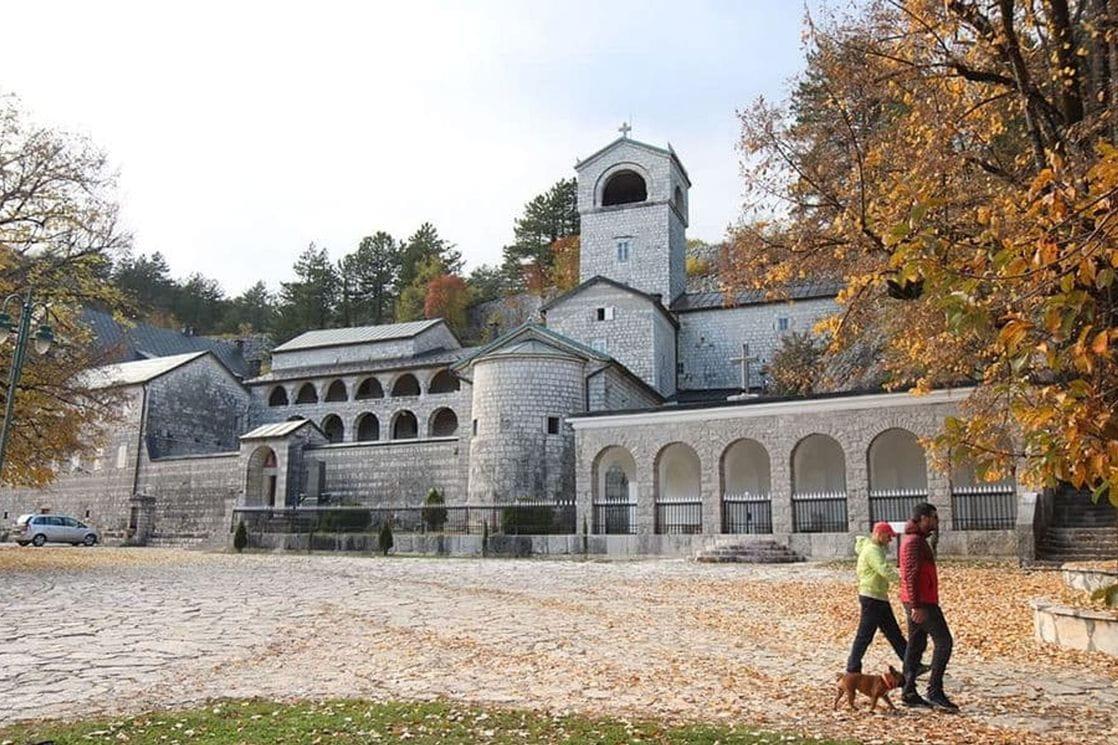 Podignut 1484, rušen i obnavljan, uvijek crnogorski