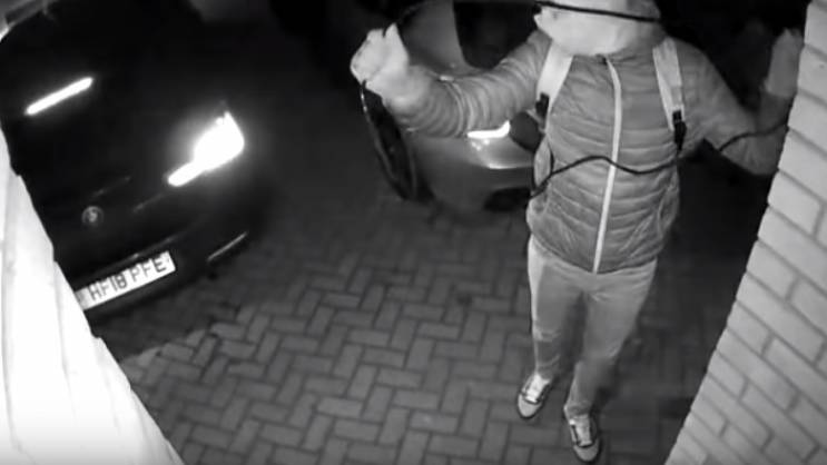Brzinom svjetlosti - BMW ukraden za 20 sekundi