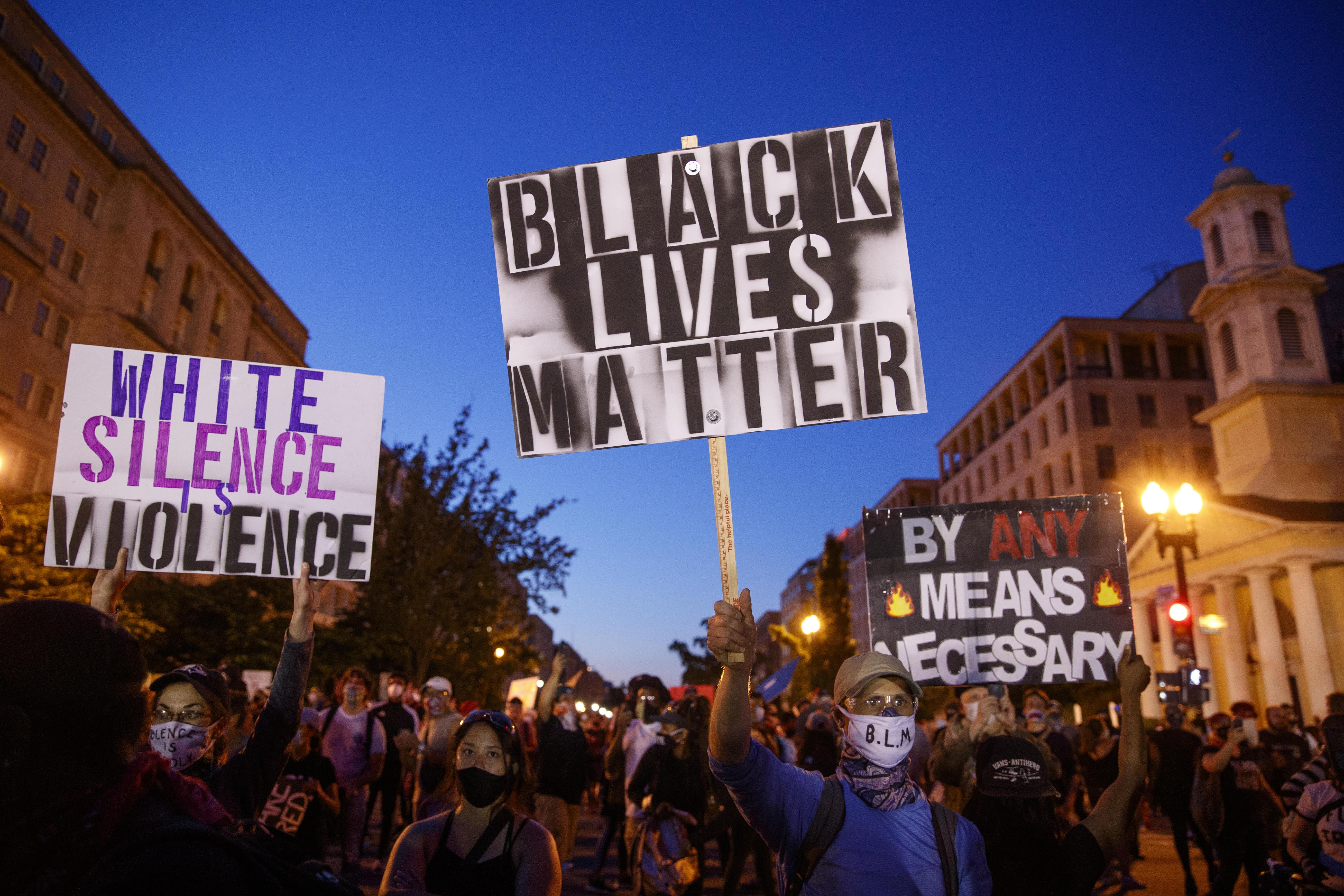 Ko pokušava da otme američke proteste protiv rasizma?