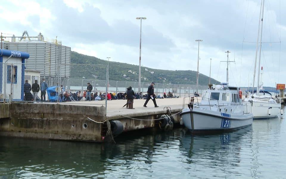 Herceg Novi: Na jedrilici pronađena 52 migranta