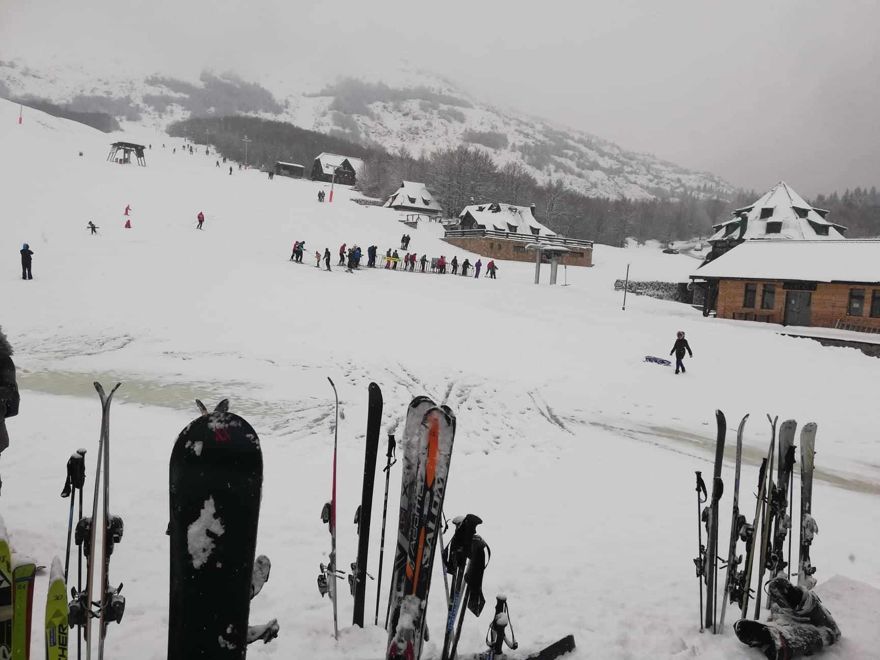 Dolazi zimska sezona: Bogat sadržaj na snijegu, manifestacije na primorju