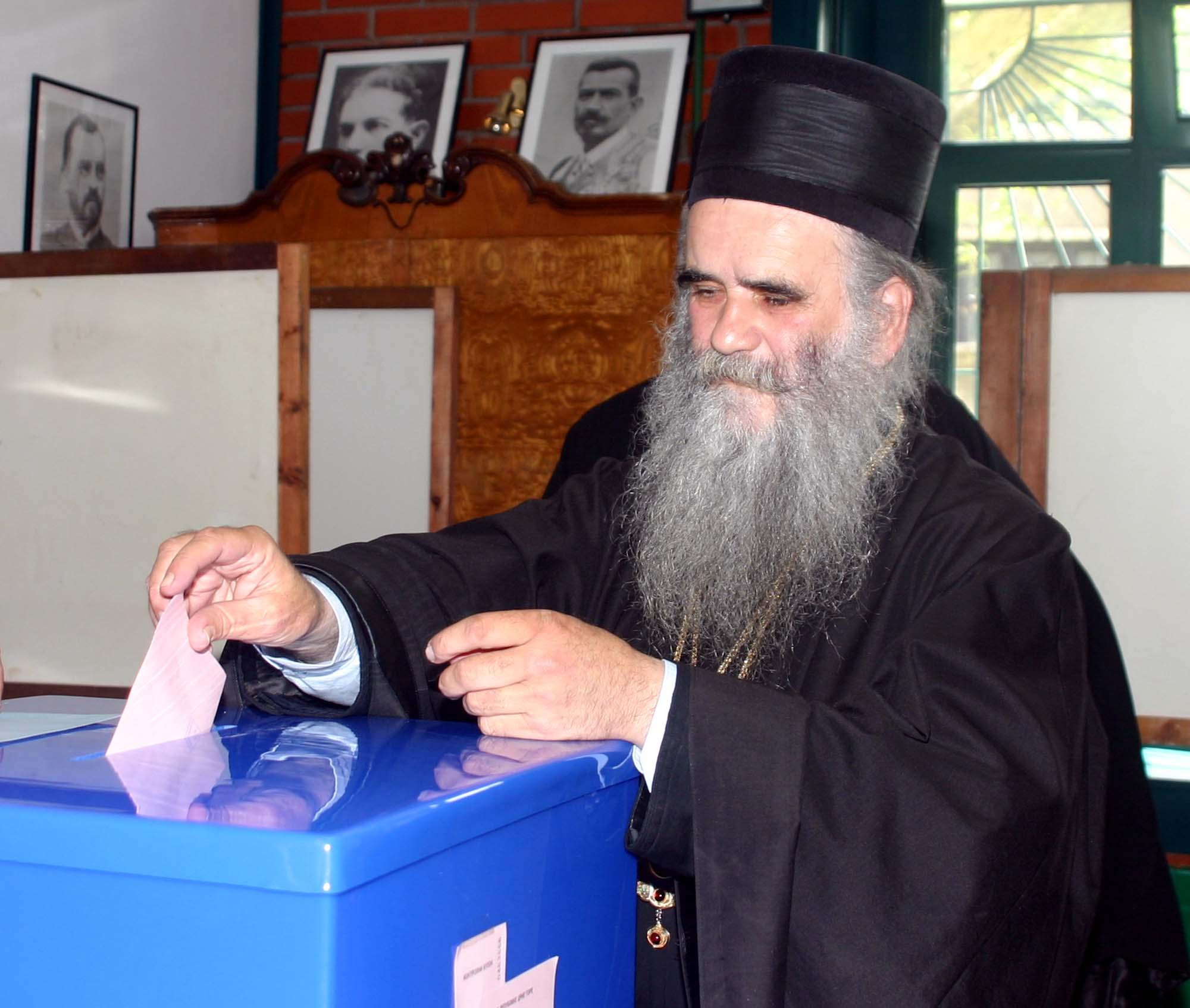 Đedo već glasao – sad će treći put