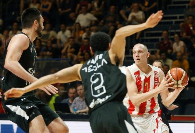 Zvezda bolja od Partizana za 1-0 u finalnoj seriji