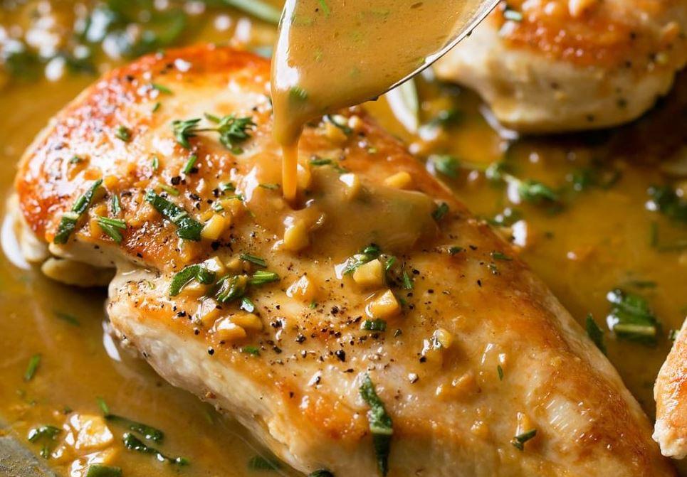 Napravite ukusan obrok: Pileća prsa u sosu