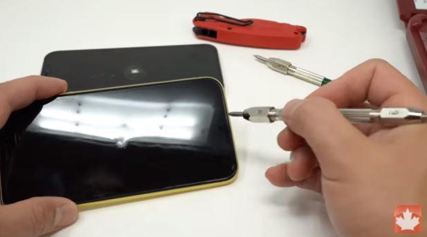 Probušio iPhone 12 na testu - veća izdržljivost ili marketinška priča?
