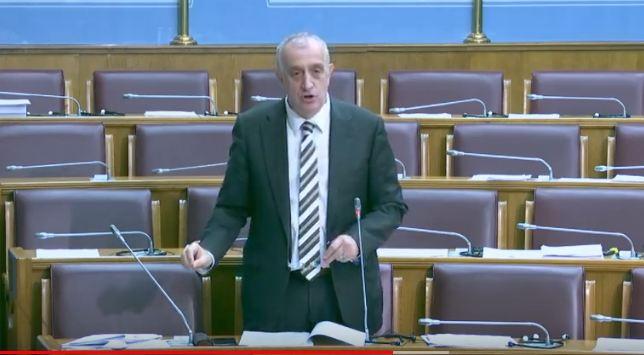 Bulatović u Skupštini pozvao na nastavak litija
