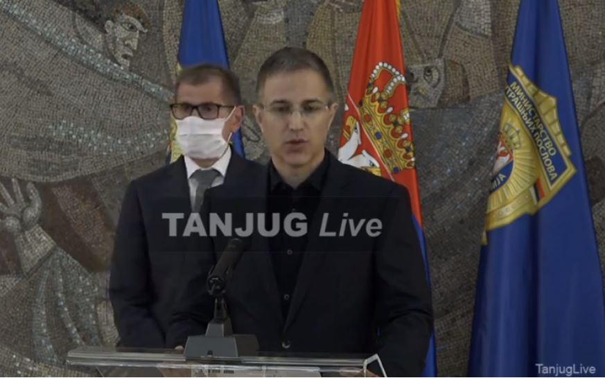 Stefanović: Jednom policajcu prelomljene obje noge, koji monstrum to može da uradi