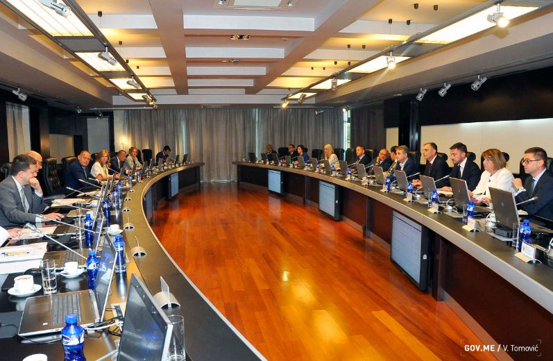 Vlada odlučila: Šest hiljada eura za trojke iz Berana