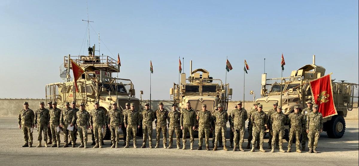 Dakić odlikovao crnogorske vojnike u Avganistanu