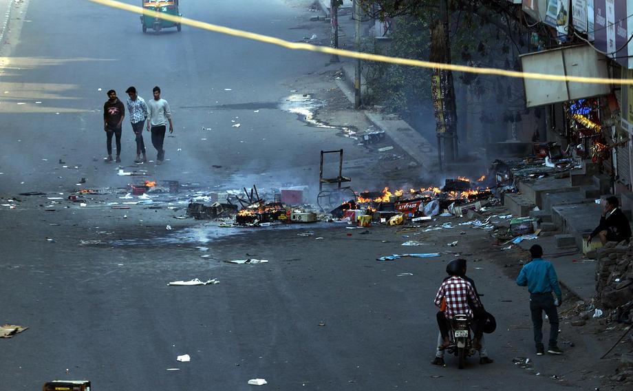 U sukobima u Nju Delhiju 13 mrtvih, 150 povrijeđenih