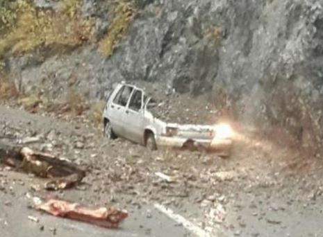 Đurđevića Tara: Odron zatrpao automobil