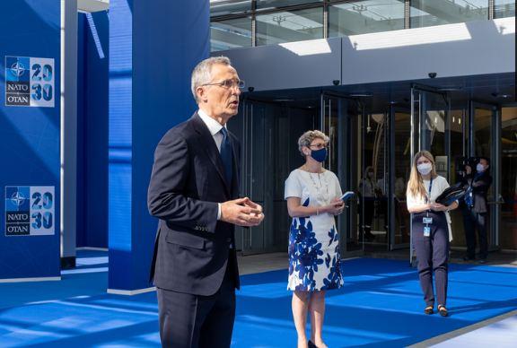 Stoltenberg razgovarao sa Vučićem i Kurtijem