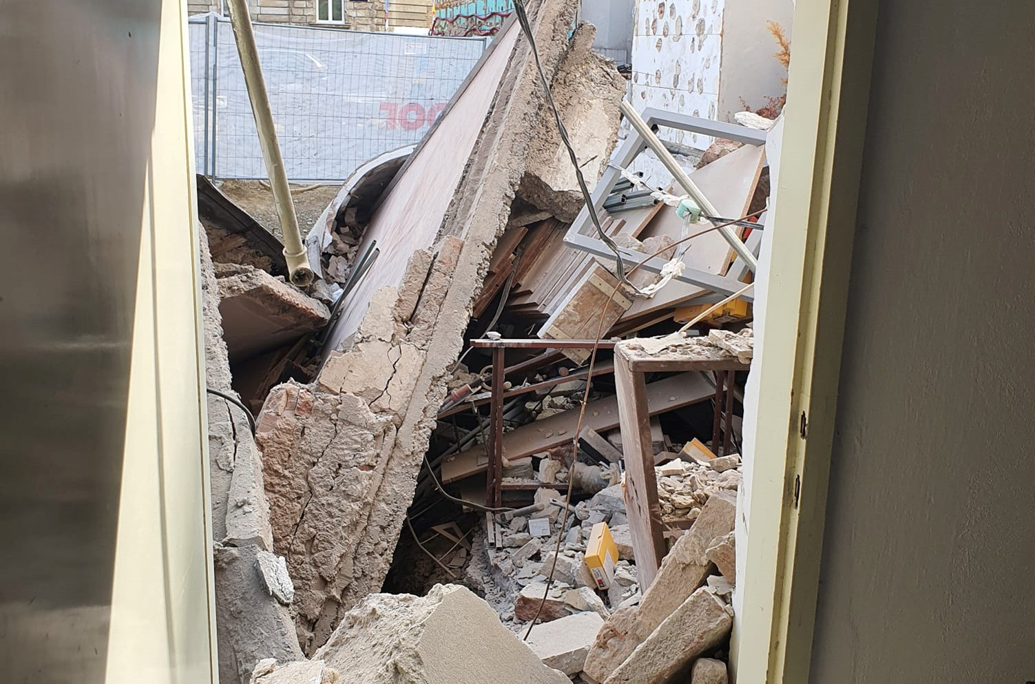 Urušila se zgrada u centru Zagreba