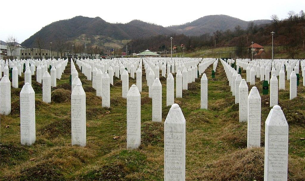 Danas 24. godišnjica zločina u Srebrenici