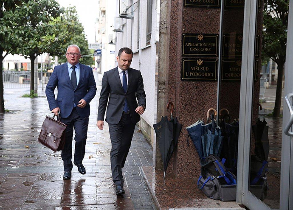 Za tužiteljku nesporni navodi optužnice protiv Kneževića i Đurđića