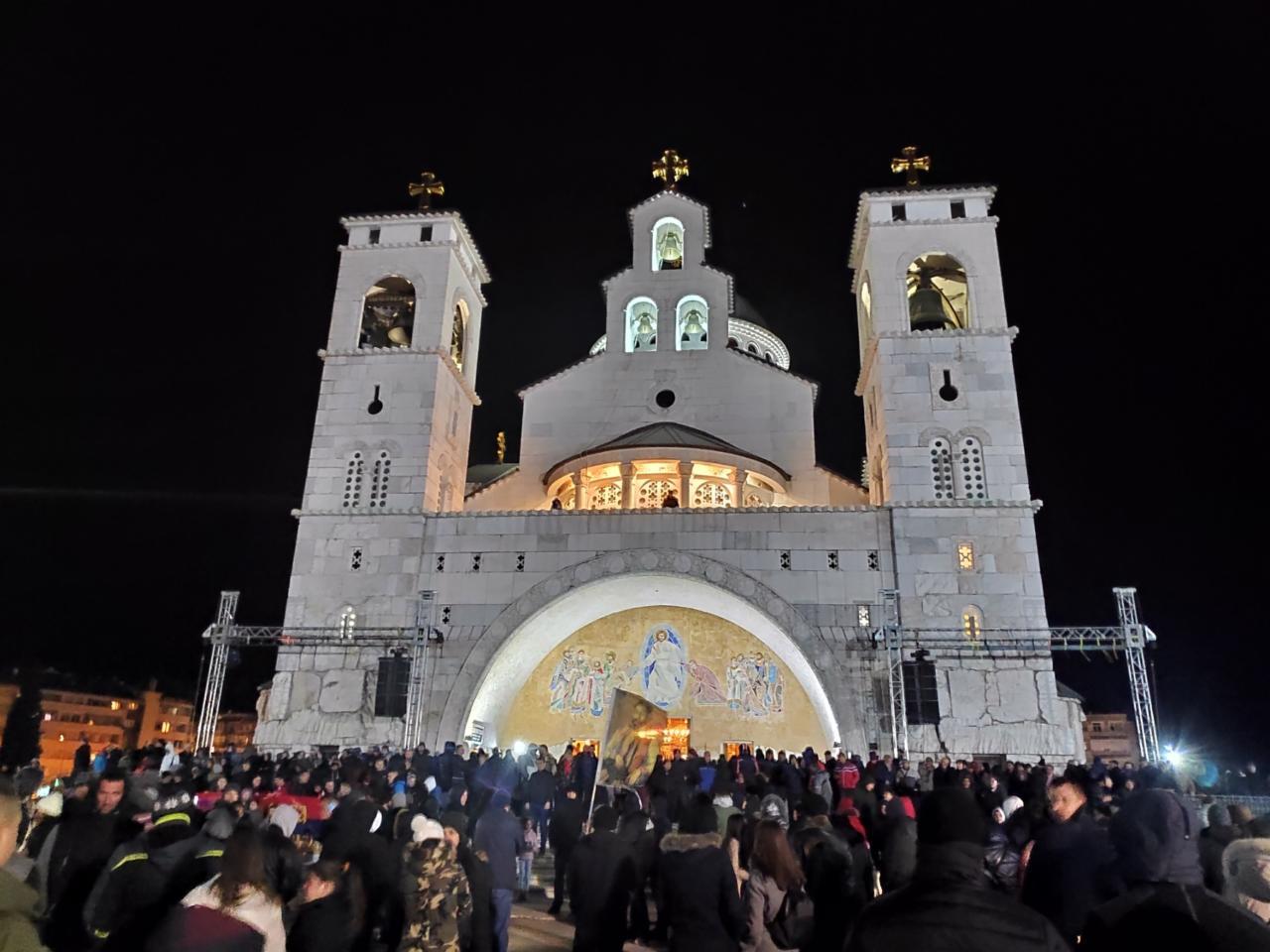 Ulični antidržavni pohod maskiran u litije, uz podršku Srbije i Moskve