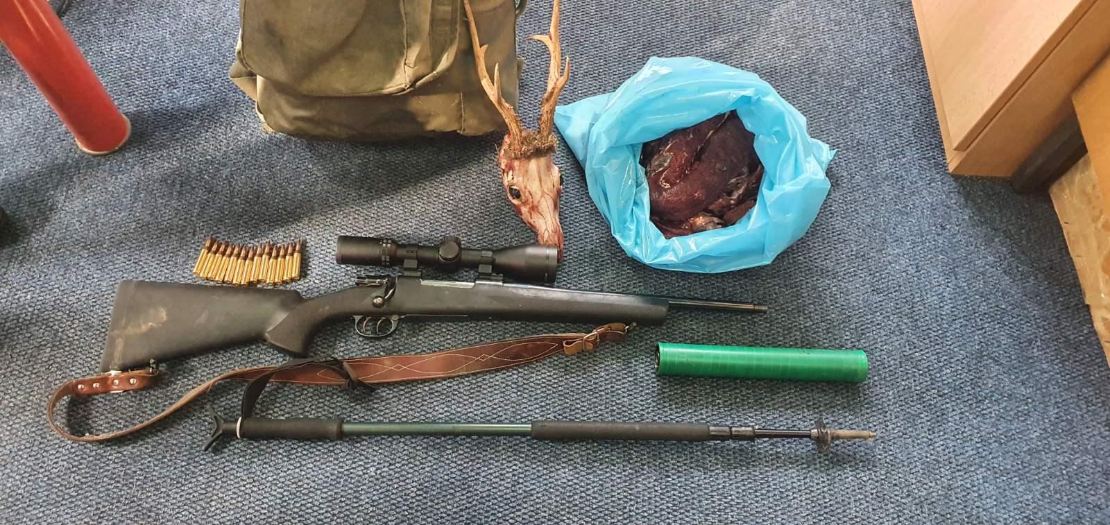 Uhvaćen krivolovac u NP Durmitor: Odsjekao glavu srndaću
