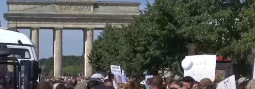 Njemci protestovali protiv privremenih mjera