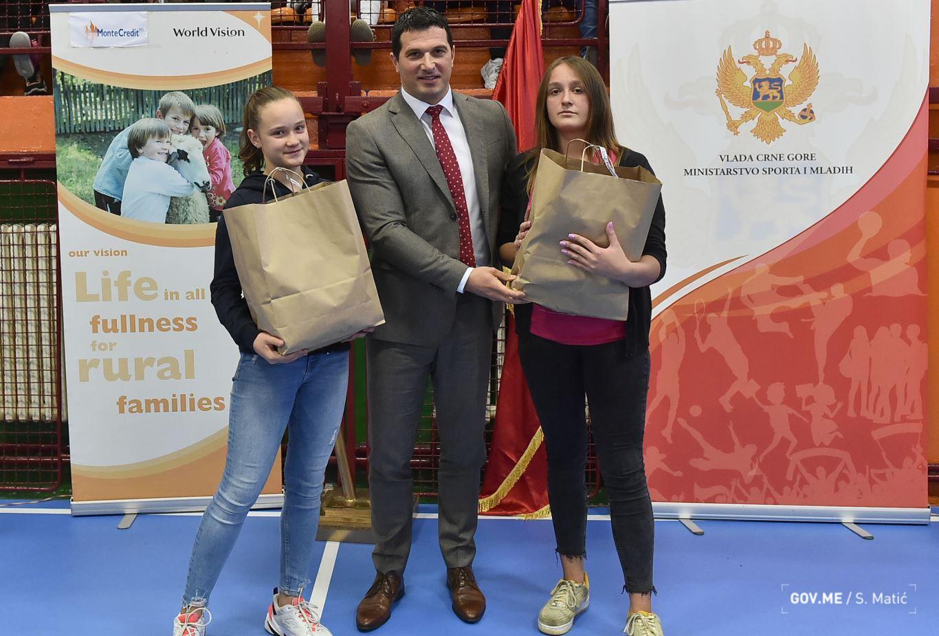 Janović uručio nagrade najboljima u školskom sportu