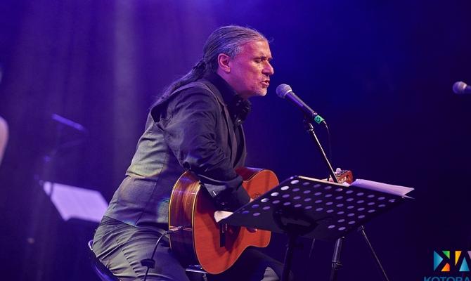 U Kotoru obilježena godina od odlaska velikog kantautora Olivera Dragojevića