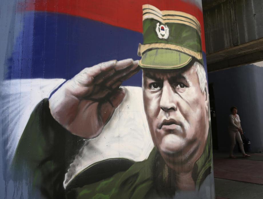 Zašto srpski nacionalisti proglašavaju sopstveni narod genocidnim?