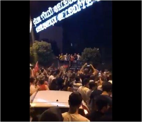 """Osim """"Jutro je"""", na Istanbulskoj mahali pjevali i """"Kad zamirišu jorgovani"""" i """"Sve je laž"""""""