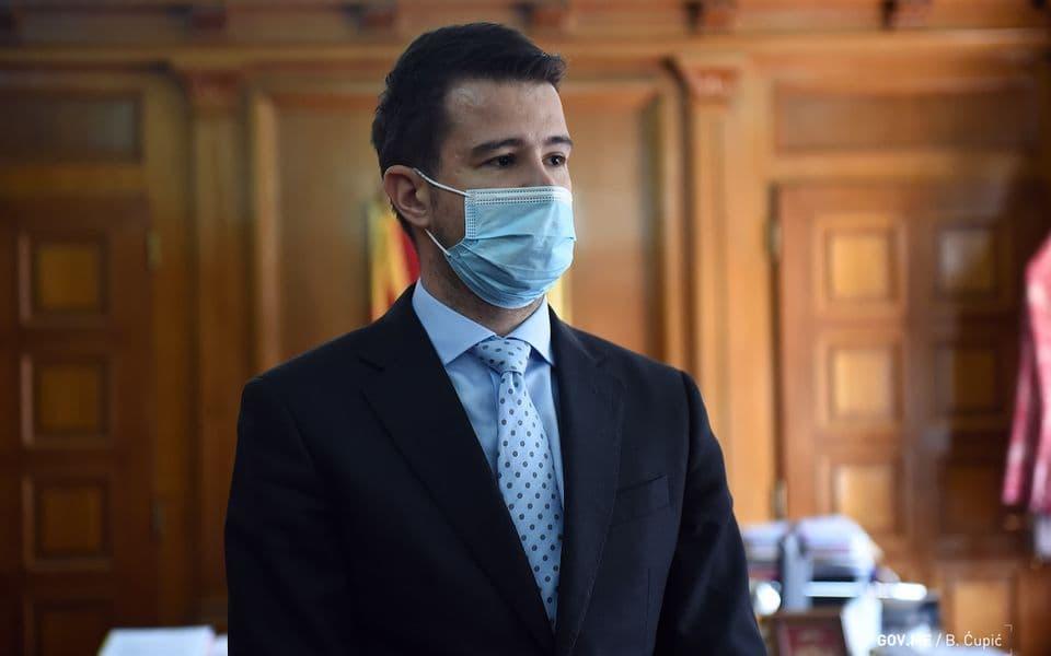 Godina socijalne pravde: Milatović najavio dodjelu ulja za 25.000 građana