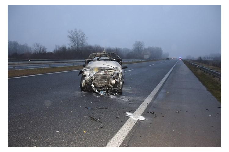 Jedna osoba poginula, više povrijeđeno: Policija objavila fotografije teške nesreće