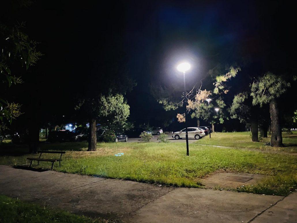Osvijetljen parking u Ulici Oktobarske revolucije i park u blizini RZUP-a